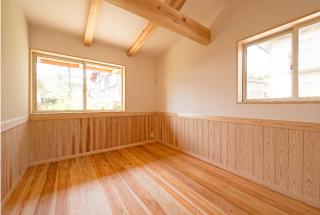 薪ストーブとサンルームのある平屋のお家/個室
